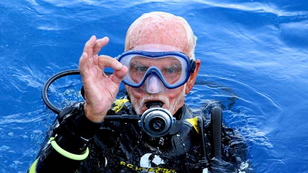96-year-old Second World War veteran 'breaks Scuba diving record'